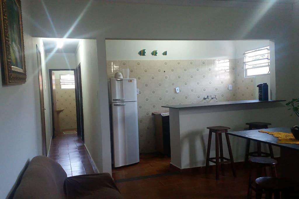 Nos corredores ficam os dormitórios e banheiro.