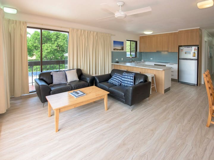 Beachfront 2 Bedroom self contained apartment 3 nights