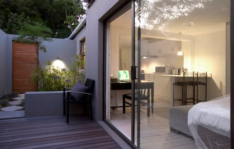 Immaculate private cottage in Hout Bay