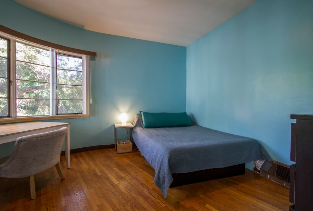 Cozy room near ucla apartments for rent in los angeles - Bedrooms for rent in los angeles ...