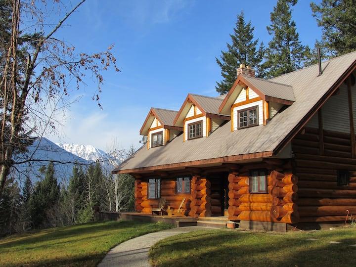 Log Home Getaway with Incredible Mountain Views