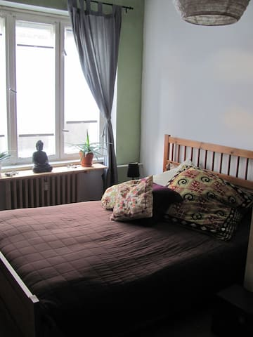 Beautiful and sunny room in Berlin
