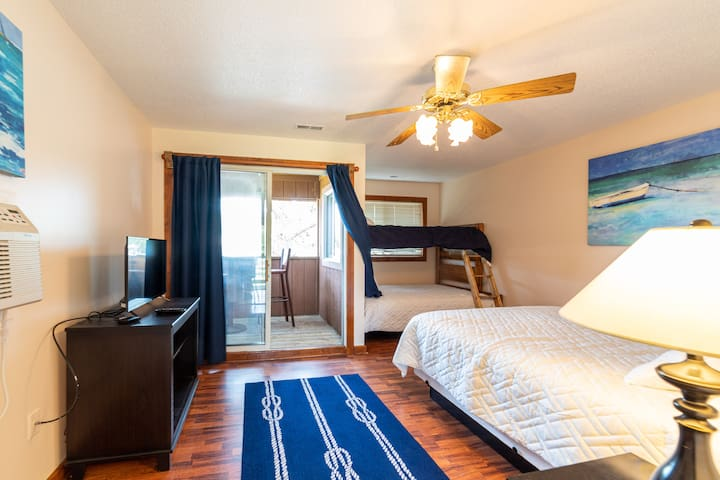 The perfect room for four with TV, ceiling fan and your own private balcony with Intracoastal Waterway views!