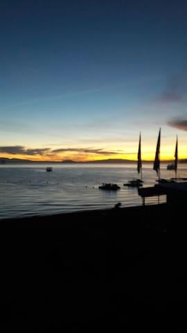 Vista espectacular Lago Calafquén. - Licanray - Casa