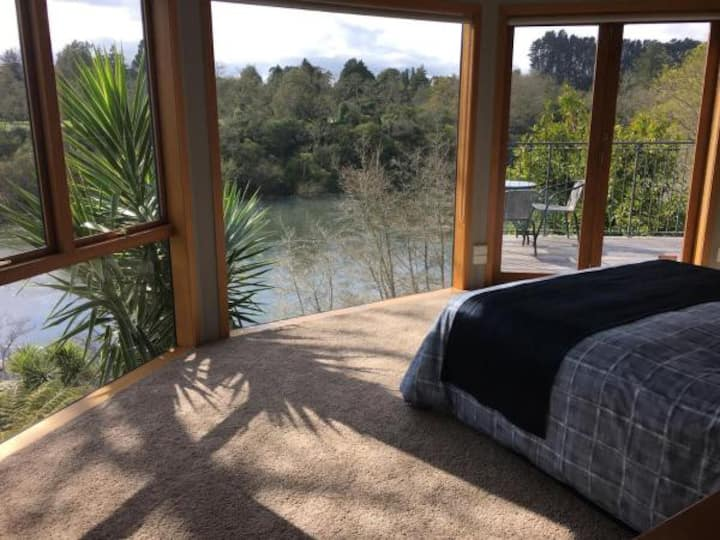 On the River - Entire Suite with stunning views