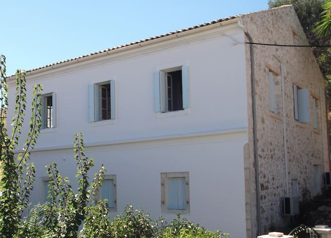 The Harbour House - Kassiopi - Wohnung