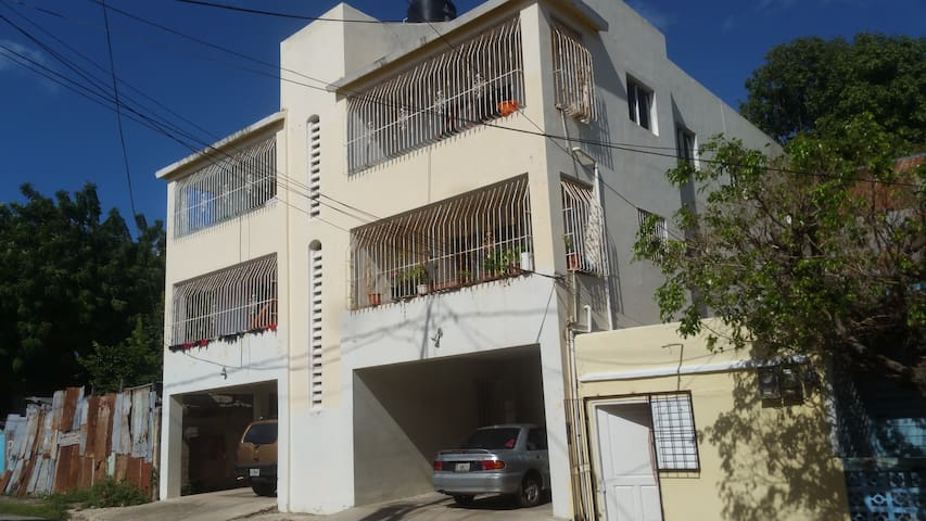 Family Building in the Center of Miramar - San Pedro De Macoris - Apartamento