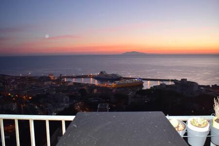 Superbe appartement surplombant la ville - Bastia - Wohnung