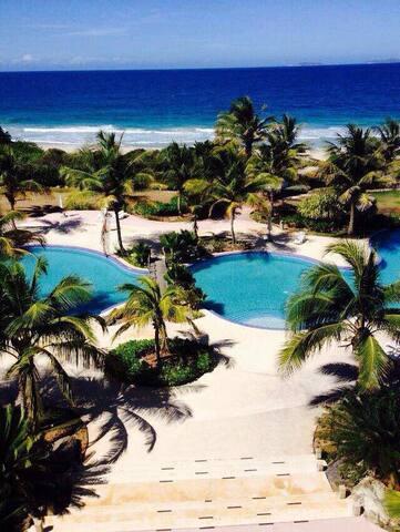 Cimarro Beach, Playa Parguito