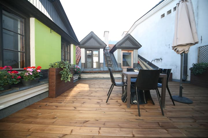 Old Town apartment private terrace - Riika - Huoneisto