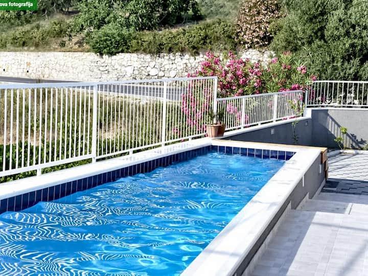 Villa Nika - Five-Bedroom Villa with Private Pool