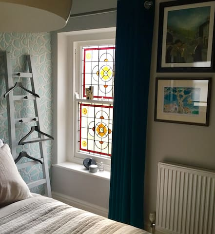 Beautiful room in a Victorian townhouse - Cardiff - House