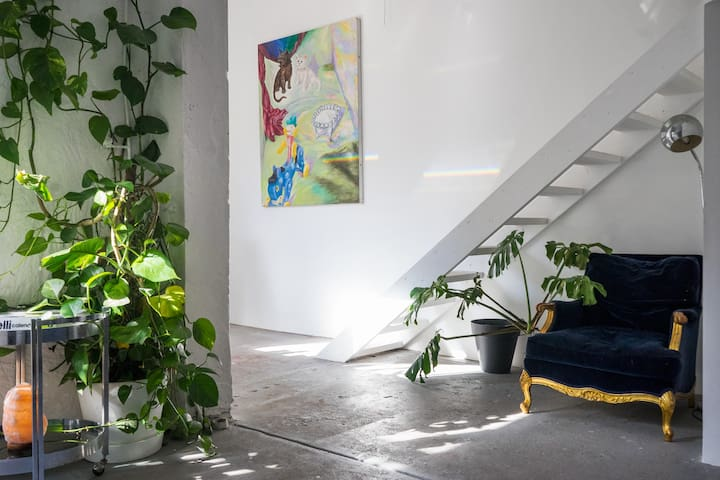 Artist's warehouse studio loft conversion. - ริชมอนด์ - บ้าน
