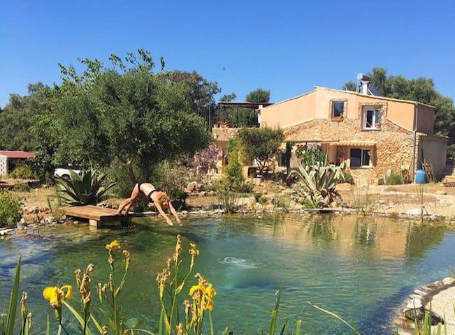 Finca piscina/ lago natural/living pool
