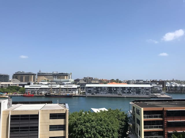 Heart of Sydney, Habour View, 2 Bedroom Apartment