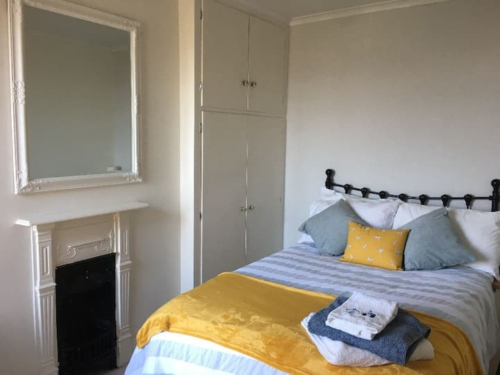Two quiet rooms within walking distance of centre