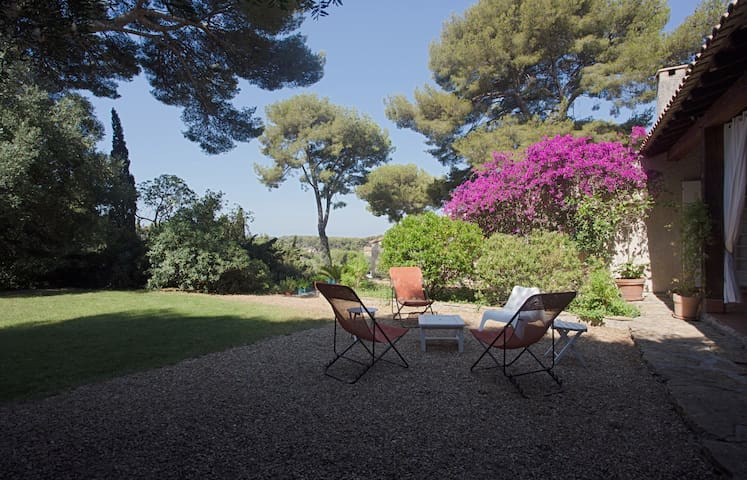 House in Sanary 8 travellers private pool & tennis
