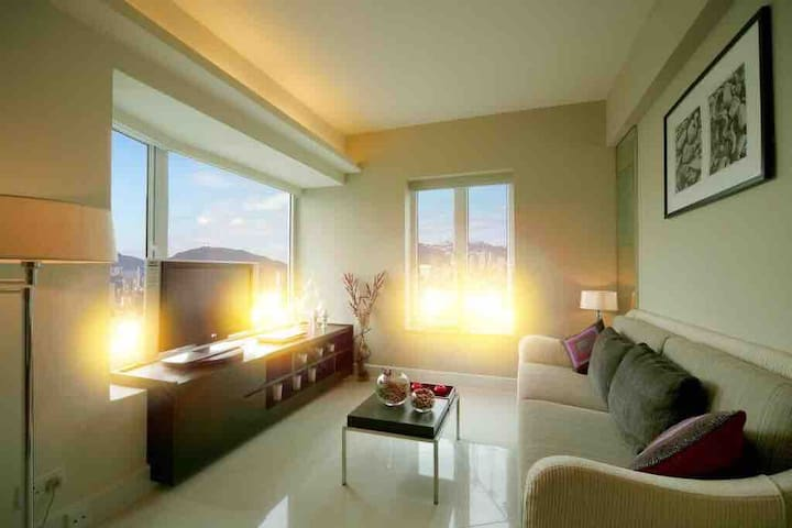 Master Room of Sea-View Apartment@TST/Hung Hom