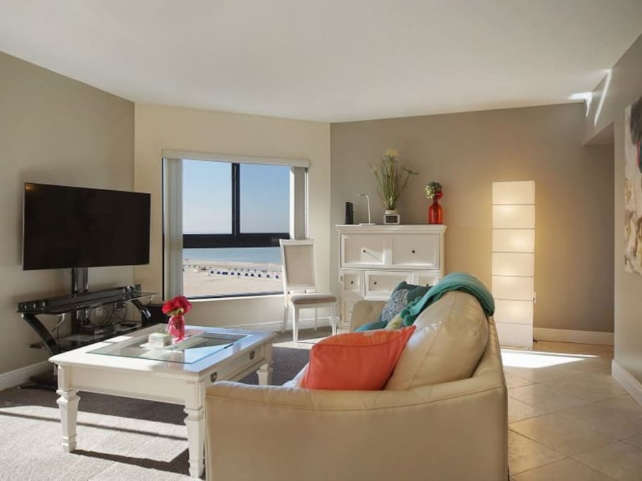 Gulf View in Main Living Area, complete with Large Flat-Screen TV, Cable & Blu-Ray Player