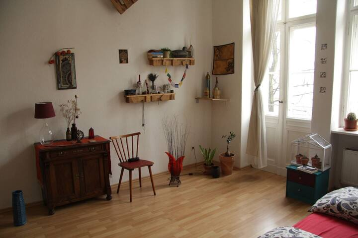 Big Cozy Room With Balcony In The Heart Of Berlin
