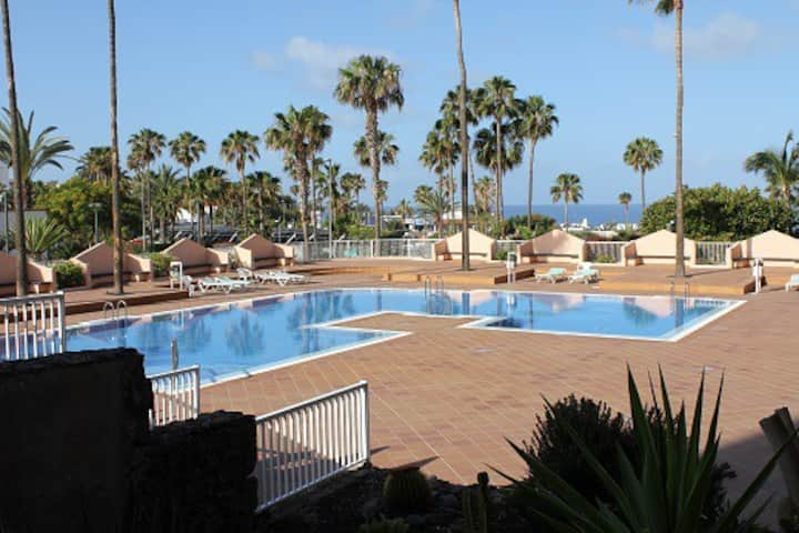 Apartment with sea view,  2 mins from the beach