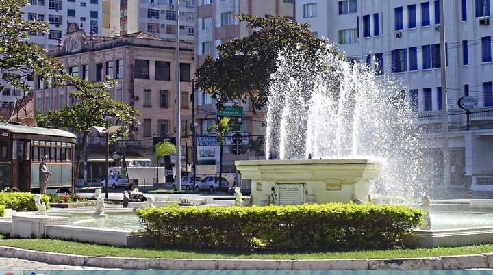 Apto em Santos, Luxuoso com Vista, 1 Dorm. e Ar Condicionado, 100 Metros do Mar