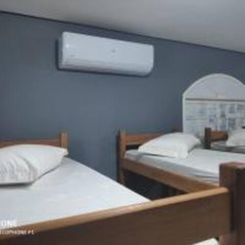 Hostel , Albergue & Spa STUDIO H10