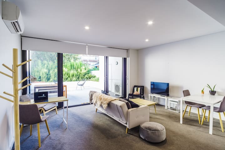 Botanic garden brand new Apartment Mt Lawley