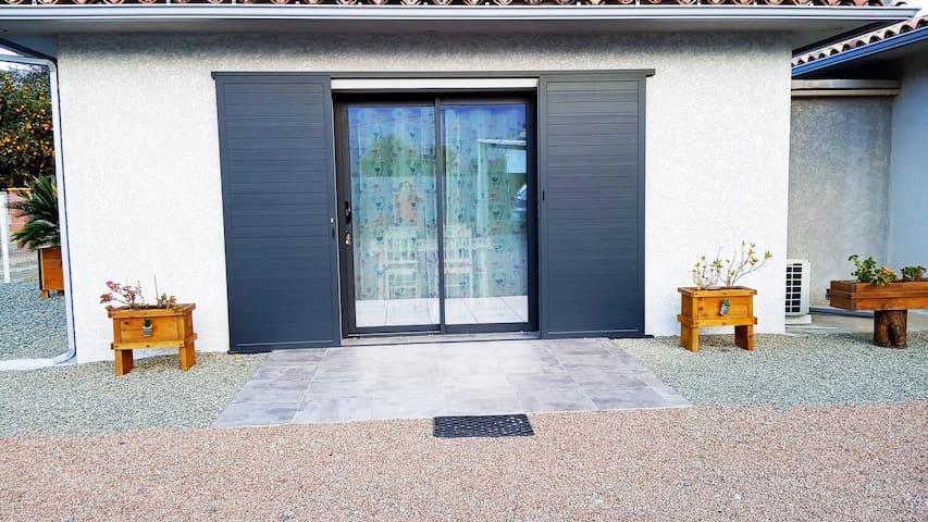 charmant petit appartement dans propriété privé