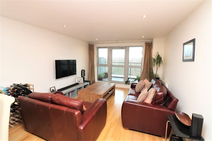 Spacious 2 bed apartment Shoreditch/Angel - Lontoo - Huoneisto