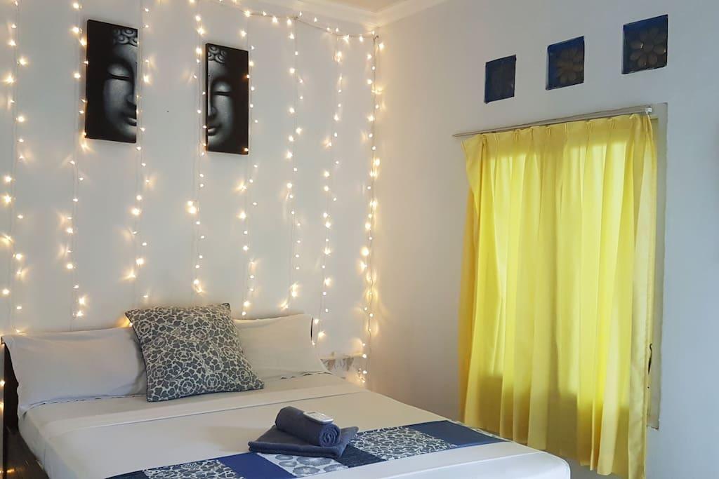 Cozy fairy lights in room No. 3