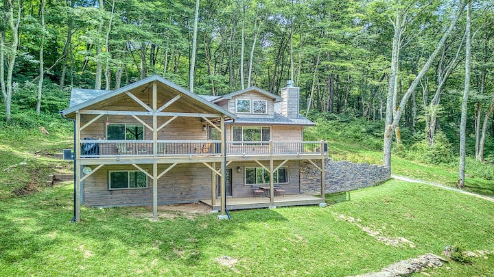 Mountain Gem in Gated Smoky Mtn. Retreat