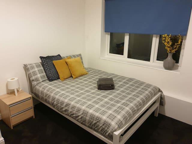 Cosy room (2) in northampton