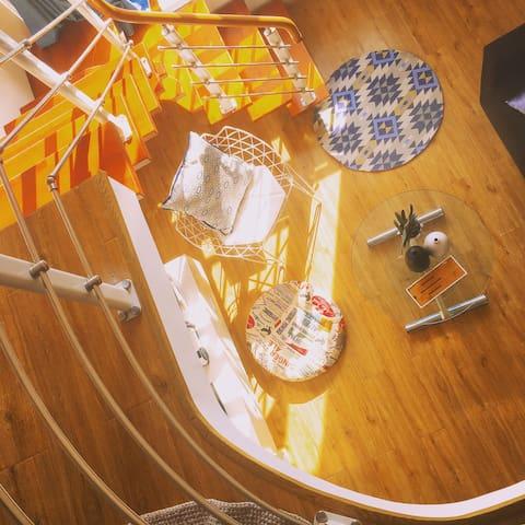 [SUNSHINE LOFT]文艺青年最爱复式公寓#超大落地窗尽情享受阳光#超宽幕布私人观影空间#