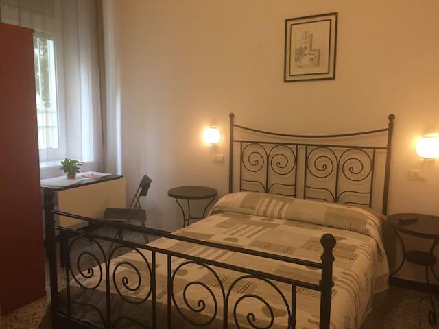 hotel villa gentile chambre double- salle de bains