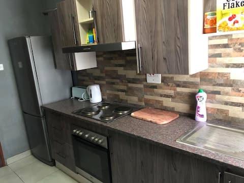 Safe & Cozy Avondale Home with Netflix & DSTV