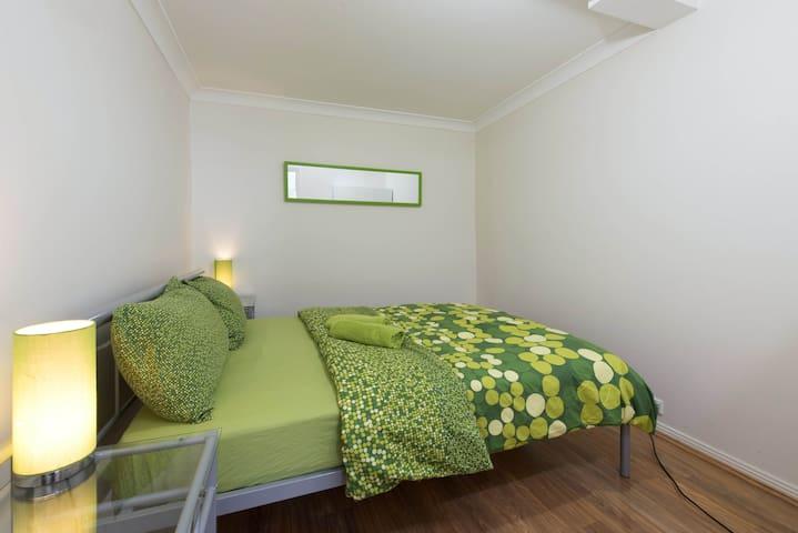 Garden FLAT for 5 people - Bexley - Apartamento