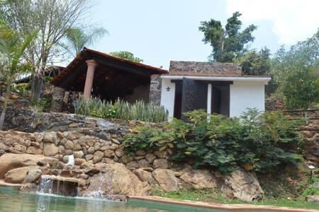 Quinto Sol Amatlan, Waxak - Amatlán de Quetzalcóatl - Kabin