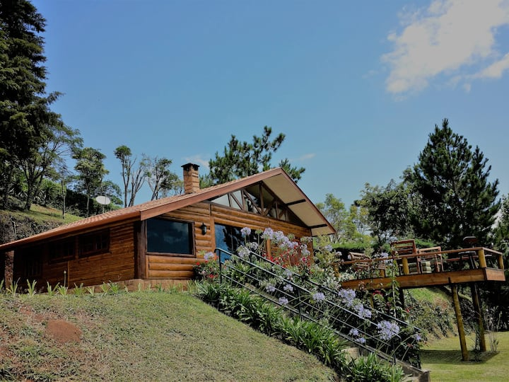 Log House Alpino - Adorável Log House 1500 mt alt.
