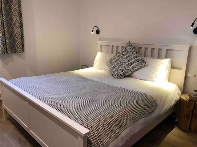 King size bedroom suite