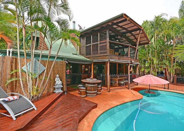 BALI ON THE BEACH-ABSOLUTE BEACHFRONT- LAWN ACCESS