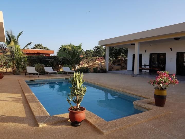 Villa 3 chambres avec piscine à La Somone