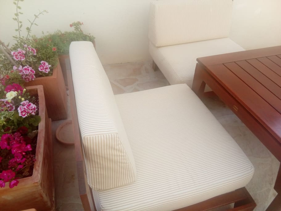 New lounge garniture, just for you on apartment patio