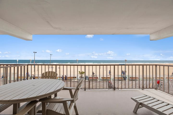 Gorgeous Golden Beach 201 - Directly on the famous OCMD Boardwalk!