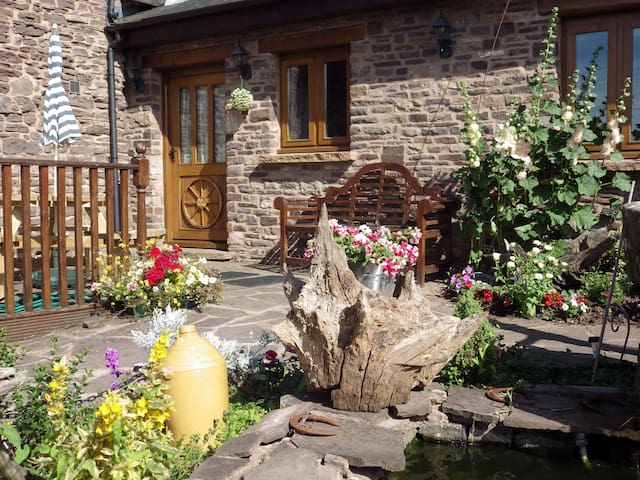 Usk country cottages-Ash cottage pentre farm - Llangwm - Casa