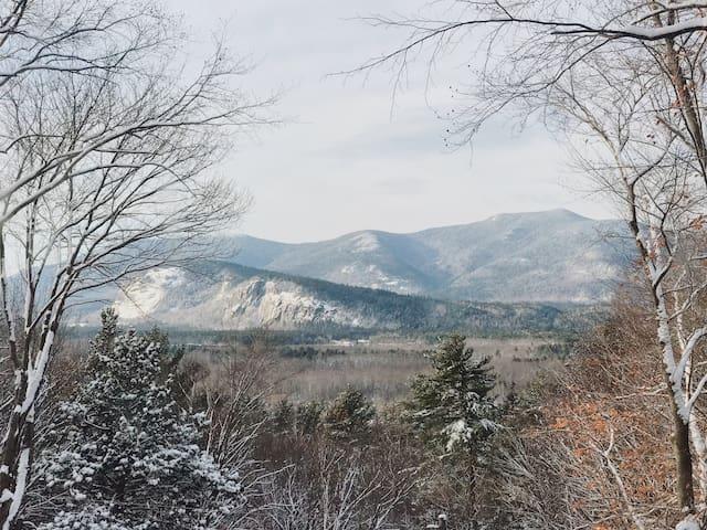 Cozy Chalet w/ Mountain Views + Prime Location