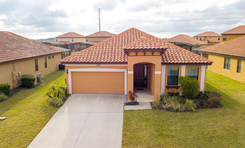 Enjoyable Home-Golf Club-Close to all Attractions