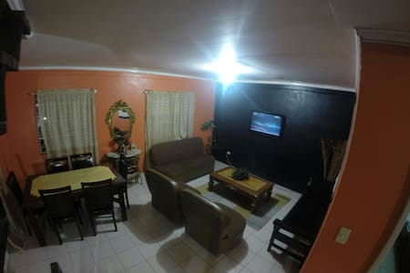 Fully Furnished 4 Bedroom House - Baguio - Huis