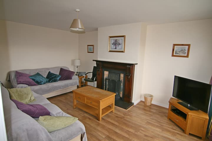 Portstewart - Excellent 5 bed house (sleeps 10)
