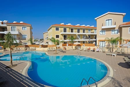 DPS Kyklades Resort BA02- Two Bed Apt-Pool-Gym - Paralimni